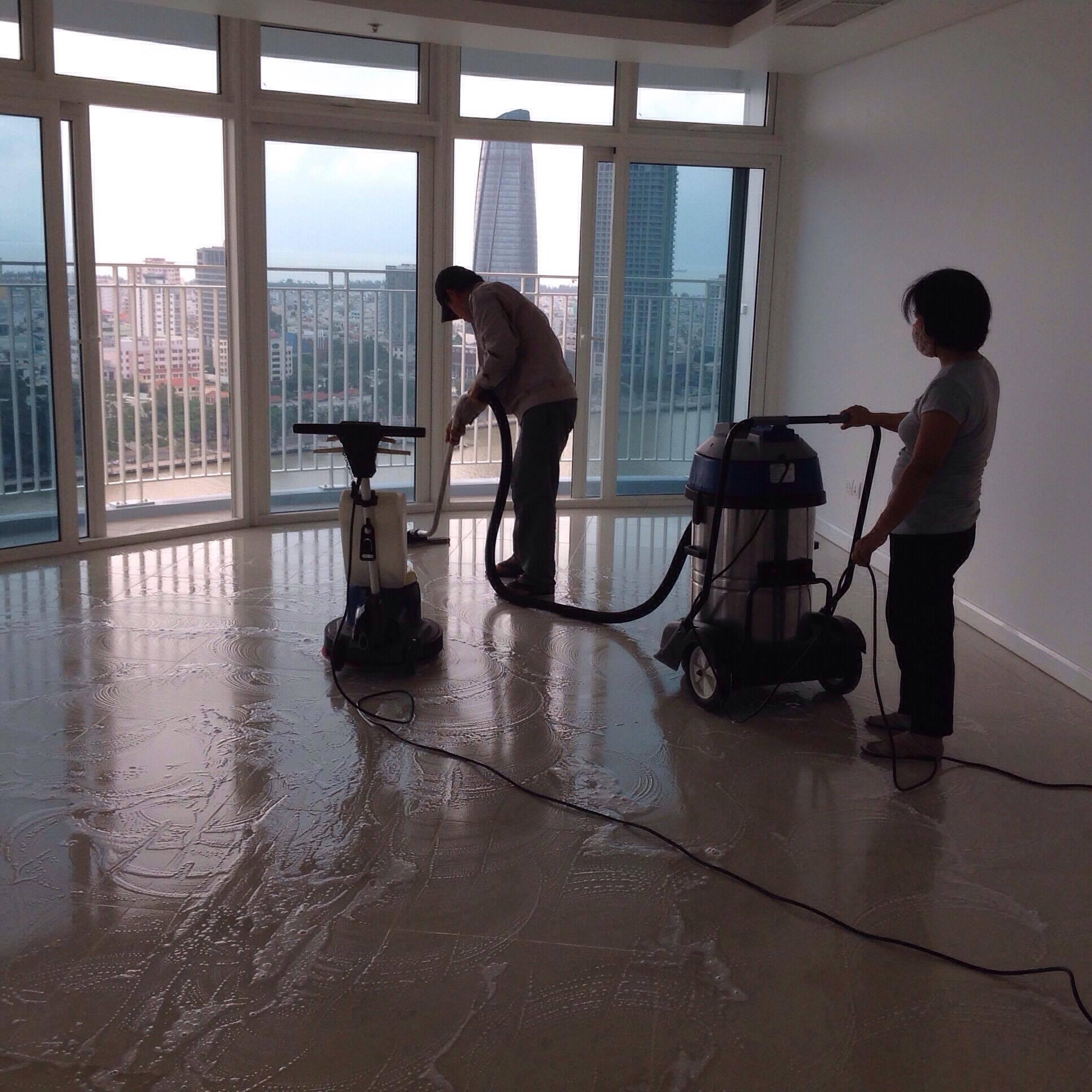 Đánh bóng sàn gạch men